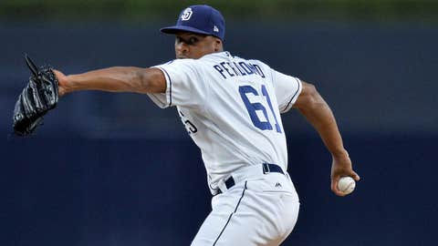 Renfroe powers Padres past Diamondbacks