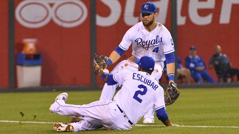Royals Stop The Twins To Keep Their Slim Playoff Hopes Alive