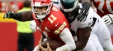 Smith takes a pounding in Chiefs' win over Eagles