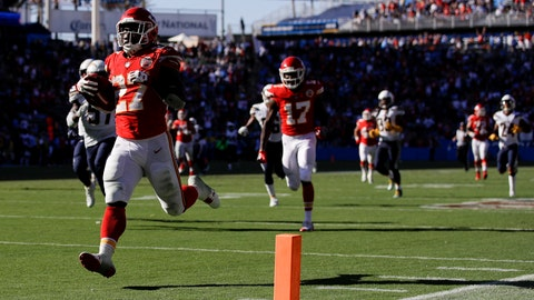 Chiefs start hot, beat Chargers 24-10