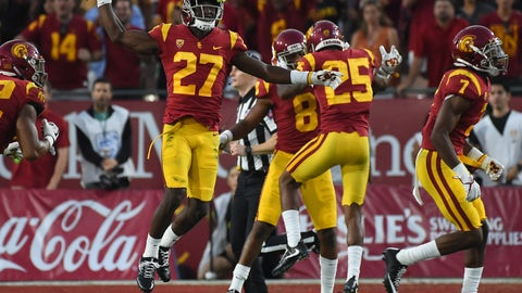 USC WR Steven Mitchell Jr. Delivers Major Block For Trojans' Second Touchdown