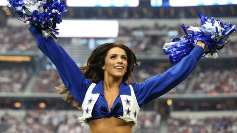 NFL: Los Angeles Rams at Dallas Cowboys