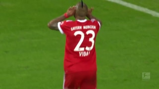 Arturo Vidal goal makes it 3-0 for Bayern vs. Schalke | 2017-18 Bundesliga Highlights
