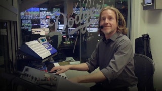 FOX Sports Spotlight: Dodgers organist Dieter Ruehle is helping to set the World Series soundtrack