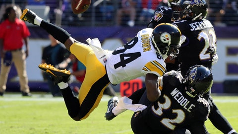Oct 1, 2017; Baltimore, MD, USA; Pittsburgh Steelers wide receiver Antonio Brown (84) cannot catch a pass while defended by the Baltimore Ravens at M&T Bank Stadium. Mandatory Credit: Mitch Stringer-USA TODAY Sports