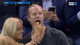 Mets pitcher Noah Syndergaard enjoys Blues-Rangers game in odd fashion