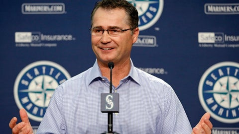 Seattle Mariners manager Scott Servais speaks with reporters during a baseball news conference Tuesday, Oct. 3, 2017, in Seattle. The team finished their season at 78-84, third place in American League West. (AP Photo/Elaine Thompson)