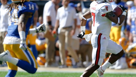 North Carolina State running back Nyheim Hines (7) runs away from Pittsburgh defensive back Avonte Maddox (14) on his way to a touchdown run in the first quarter of the NCAA college football game, Saturday, Oct. 14, 2017, in Pittsburgh. (AP Photo/Keith Srakocic)