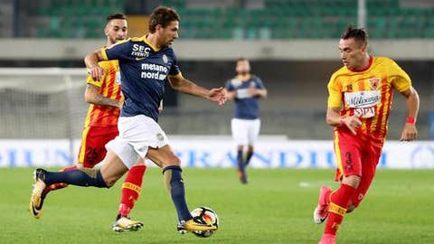 Hellas Verona's Alessio Cerci runs with the ball during a Serie A soccer match between Hellas Verona and Benevento at the Verona Bentegodi stadium, Italy, Monday, Oct. 16, 2017. (Filippo Venezia/ANSA via AP)