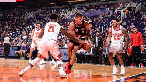 PHOENIX, AZ - OCTOBER 18: Meyers Leonard #11 of the Portland Trail Blazers handles the ball Suns on October 18, 2017 at Talking Stick Resort Arena in Phoenix, Arizona. NOTE TO USER: User expressly acknowledges and agrees that, by downloading and or using this photograph, user is consenting to the terms and conditions of the Getty Images License Agreement. Mandatory Copyright Notice: Copyright 2017 NBAE (Photo by Michael Gonzales/NBAE via Getty Images)