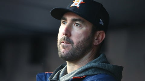 NEW YORK, NY - OCTOBER 17: Justin Verlander #35 of the Houston Astros looks on during the third inning against the New York Yankees in Game Four of the American League Championship Series at Yankee Stadium on October 17, 2017 in the Bronx borough of New York City.  (Photo by Al Bello/Getty Images)