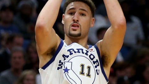 NEW ORLEANS, LA - OCTOBER 20:  Klay Thompson #11 of the Golden State Warriors shoots a three pointer during the second half against the New Orleans Pelicans at Smoothie King Center on October 20, 2017 in New Orleans, Louisiana.  NOTE TO USER: User expressly acknowledges and agrees that, by downloading and or using this photograph, User is consenting to the terms and conditions of the Getty Images License Agreement. (Photo by Sean Gardner/Getty Images)