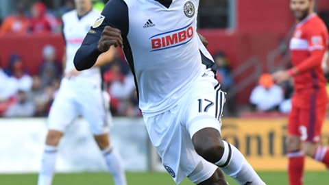 BRIDGEVIEW, IL - OCTOBER 15: Philadelphia Union forward C.J. Sapong (17) controls the ball during a game between the Philadelphia Union and the Chicago Fire on October 15, 2017, at Toyota Park, in Bridgeview, IL. (Photo by Patrick Gorski/Icon Sportswire via Getty Images)