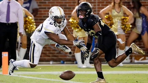 Defense steps up, leads Georgia Tech to win over Wake Forest