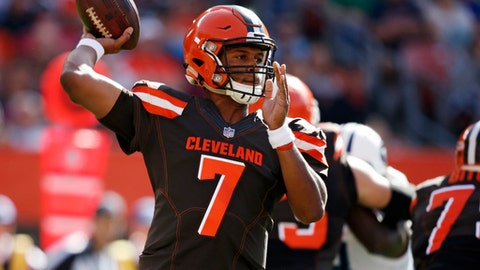 Cleveland Browns quarterback DeShone Kizer passes against the Tennessee Titans in the first half of an NFL football game, Sunday, Oct. 22, 2017, in Cleveland. (AP Photo/Ron Schwane)