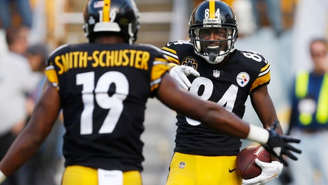 Pittsburgh Steelers wide receiver Antonio Brown (84) celebrates with JuJu Smith-Schuster (19) afters scoring during the first half of an NFL football game against the Cincinnati Bengals in Pittsburgh, Sunday, Oct. 22, 2017. (AP Photo/Keith Srakocic)