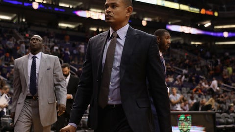 PHOENIX, AZ - OCTOBER 18:  Head coach Earl Watson of the Phoenix Suns reacts as he walks off the court following the NBA game against the Portland Trail Blazers at Talking Stick Resort Arena on October 18, 2017 in Phoenix, Arizona.  The Trail Blazers  defeated the Suns 124-76. NOTE TO USER: User expressly acknowledges and agrees that, by downloading and or using this photograph, User is consenting to the terms and conditions of the Getty Images License Agreement.  (Photo by Christian Petersen/Getty Images)
