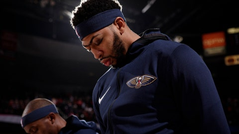PORTLAND, OR - OCTOBER 24:  Anthony Davis #23 of the New Orleans Pelicans honors the National Anthem before the game against the Portland Trail Blazers on October 24, 2017 at the Moda Center in Portland, Oregon. NOTE TO USER: User expressly acknowledges and agrees that, by downloading and or using this Photograph, user is consenting to the terms and conditions of the Getty Images License Agreement. Mandatory Copyright Notice: Copyright 2017 NBAE (Photo by Cameron Browne/NBAE via Getty Images)