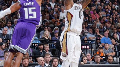 SACRAMENTO, CA - OCTOBER 26:  DeMarcus Cousins #0 of the New Orleans Pelicans shoots the ball against the Sacramento Kings on October 26, 2017 at Golden 1 Center in Sacramento, California. NOTE TO USER: User expressly acknowledges and agrees that, by downloading and or using this Photograph, user is consenting to the terms and conditions of the Getty Images License Agreement. Mandatory Copyright Notice: Copyright 2017 NBAE (Photo by Rocky Widner/NBAE via Getty Images)