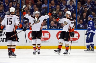 Rakell, Montour score on power play as Ducks beat Lightning (Oct 28, 2017)