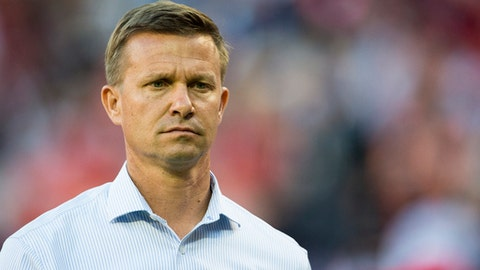 WASHINGTON, DC - OCTOBER 22: New York Red Bulls head coach Jesse Marsch looks on at the end the first half against DC United during the final MLS game at RFK Stadium on October 22, 2017 in Washington, DC. (Photo by Patrick McDermott/Getty Images)