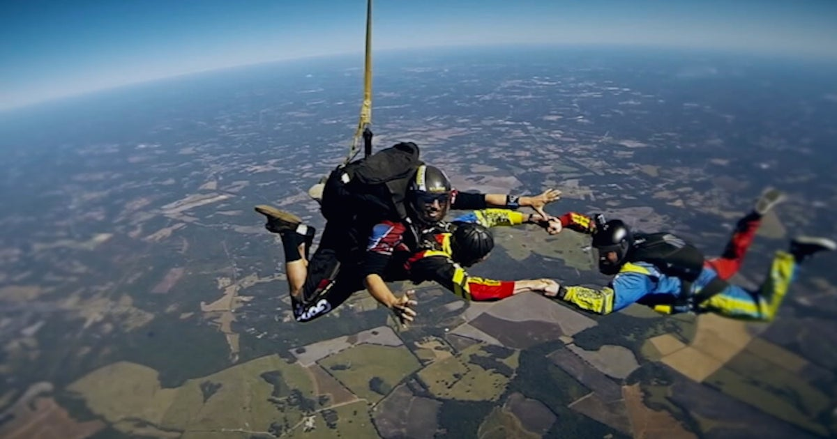 Watch David Ragan go skydiving with Alan Cavanna (VIDEO)