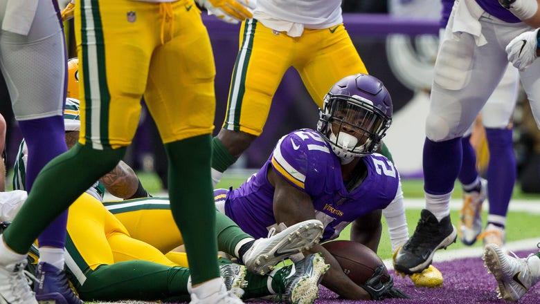 McKinnon, athletic linemen make Vikings' screen passes work