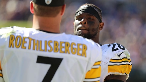 Oct 1, 2017; Baltimore, MD, USA; Pittsburgh Steelers running back LeVeon Bell (26) talks with quarterback Ben Roethlisberger (7) on the sideline during the game against the Baltimore Ravens at M&T Bank Stadium. Mandatory Credit: Mitch Stringer-USA TODAY Sports