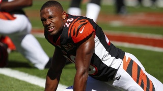 How does Bengals defensive back KeiVarae Russell take care of tight muscles?