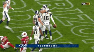 Jared Goff calls his own number for 9-yard touchdown run