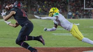 Stanford dominates Oregon 49-7