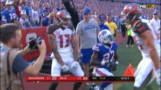 Mike Evans lays out to make an incredible touchdown catch