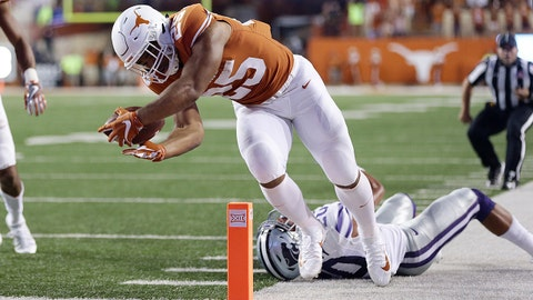 Oct 7, 2017; Austin, TX, USA; University of Texas Longhorns running back Chris Warren III (25) scores a touchdown against the Kansas State Wildcats in the second quarter at Darrell K Royal-Texas Memorial Stadium. Mandatory Credit: Erich Schlegel-USA TODAY Sports