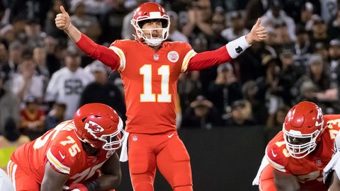 Oct 19, 2017; Oakland, CA, USA; Kansas City Chiefs quarterback Alex Smith (11) calls out to teammates against the Oakland Raiders during the fourth quarter at Oakland Coliseum. Mandatory Credit: Kelley L Cox-USA TODAY Sports