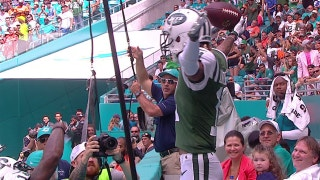 New York Jets WR Robby Anderson celebrates TD by leaping into the stands and taking a seat