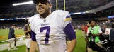 Surviving injuries, Vikings keep pace in NFC North