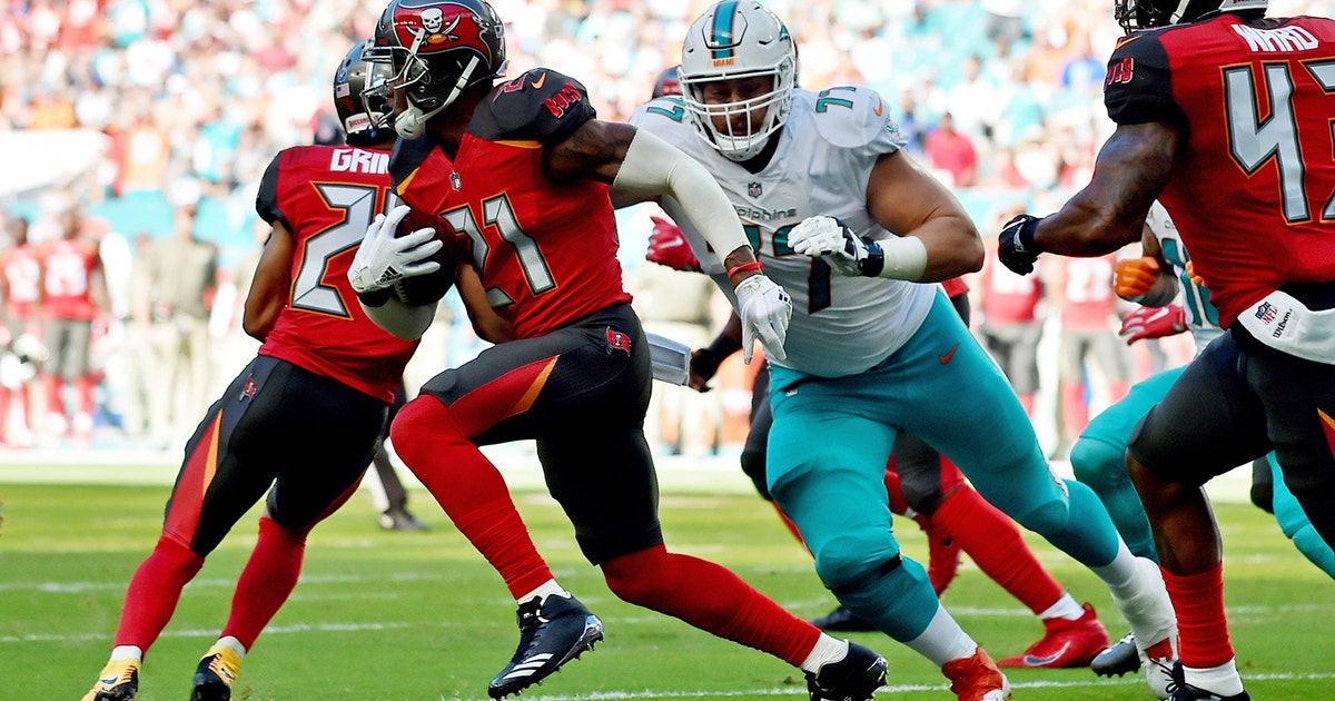 111917-fsf-nfl-tampa-bay-buccaneers-miami-dolphins-pi.vresize.1200.630.high.0