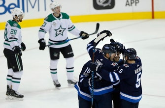 Mark Scheifele has hat trick, Jets beat Stars 5-2 (Nov 02, 2017)