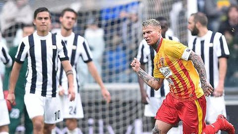 Benevento's Amato Ciciretti celebrates after scoring the goal during the Italian Serie A soccer match between Juventus and Benevento at the Allianz Stadium in Turin, Italy, Sunday, Nov. 5 2017. (Alessandro Di Marco/ANSA via AP)