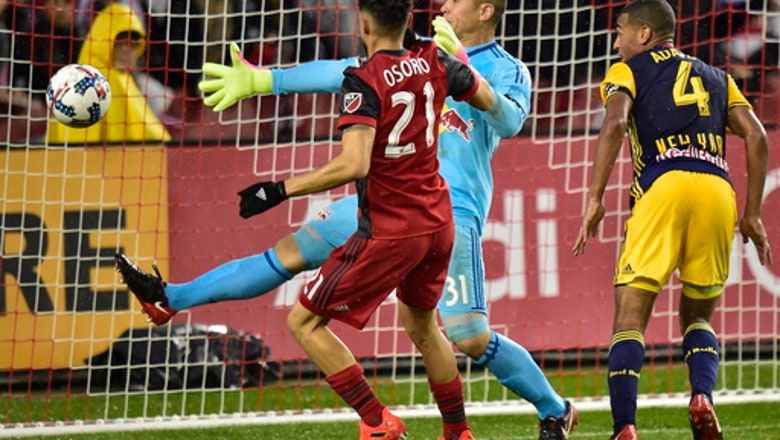 Toronto FC loses 1-0 to Red Bulls, advances on away goals