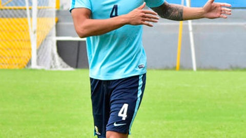 Australia captain Tim Cahill warms up during a training session at the Francisco Morazan Stadium in San Pedro Sula, Honduras, Tuesday, Nov. 7, 2017. Australia and Honduras will face for the first leg of the World Cup playoff on Friday. (AP Photo)