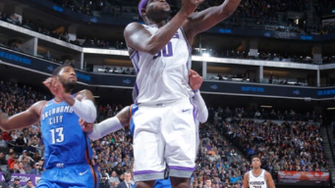 SACRAMENTO, CA - NOVEMBER 7: Zach Randolph #50 of the Sacramento Kings shoots the ball against the Oklahoma City Thunder on November 7, 2017 at Golden 1 Center in Sacramento, California. NOTE TO USER: User expressly acknowledges and agrees that, by downloading and or using this Photograph, user is consenting to the terms and conditions of the Getty Images License Agreement. Mandatory Copyright Notice: Copyright 2017 NBAE (Photo by Rocky Widner/NBAE via Getty Images)