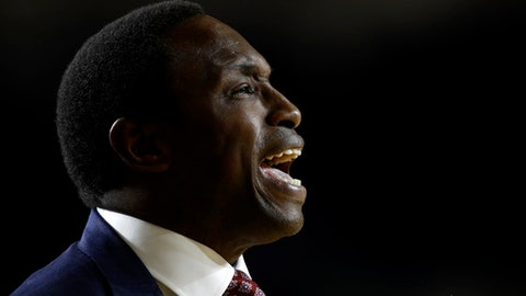 Alabama coach Avery Johnson calls to his players during the first half of an NCAA college basketball game against Memphis at the Veterans Classic tournament in Annapolis, Md., Friday, Nov. 10, 2017. (AP Photo/Patrick Semansky)