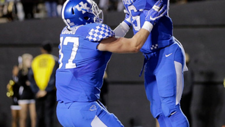 Kentucky tight end C.J. Conrad has season-ending foot injury