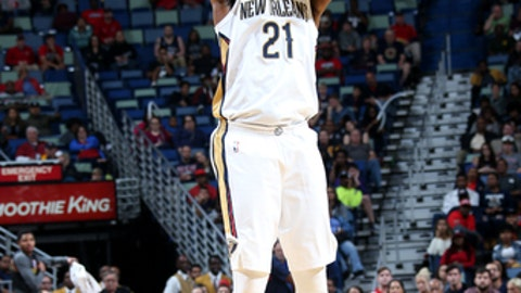 NEW ORLEANS,  LA - NOVEMBER 13: Darius Miller #21 of the New Orleans Pelicans shoots the ball during the game against the Atlanta Hawks on November 13, 2017 at Smoothie King Center in New Orleans, Louisiana. NOTE TO USER: User expressly acknowledges and agrees that, by downloading and/or using this Photograph, user is consenting to the terms and conditions of the Getty Images License Agreement. Mandatory Copyright Notice: Copyright 2017 NBAE (Photo by Layne Murdoch/NBAE via Getty Images)