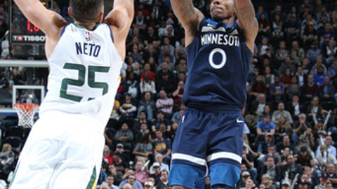 SALT LAKE CITY, UT - NOVEMBER 13: Jeff Teague #0 of the Minnesota Timberwolves shoots the shot against the Utah Jazz on Novemeber 13, 2017 at Vivint Smart Home Arena in Salt Lake City, Utah. NOTE TO USER: User expressly acknowledges and agrees that, by downloading and or using this Photograph, User is consenting to the terms and conditions of the Getty Images License Agreement. Mandatory Copyright Notice: Copyright 2017 NBAE (Photo by Melissa Majchrzak/NBAE via Getty Images)