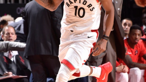 HOUSTON, TX - NOVEMBER 14: DeMar DeRozan #10 of the Toronto Raptors handles the ball against the Houston Rockets on November 14, 2017 at the Toyota Center in Houston, Texas. NOTE TO USER: User expressly acknowledges and agrees that, by downloading and or using this photograph, User is consenting to the terms and conditions of the Getty Images License Agreement. Mandatory Copyright Notice: Copyright 2017 NBAE (Photo by Bill Baptist/NBAE via Getty Images)