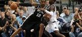 Aldridge has 32 points, Popovich gets milestone in Spurs win
