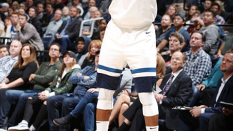 MINNEAPOLIS, MN -  NOVEMBER 15:  Jimmy Butler #23 of the Minnesota Timberwolves shoots the ball against the San Antonio Spurs on November 15, 2017 at Target Center in Minneapolis, Minnesota. NOTE TO USER: User expressly acknowledges and agrees that, by downloading and or using this Photograph, user is consenting to the terms and conditions of the Getty Images License Agreement. Mandatory Copyright Notice: Copyright 2017 NBAE (Photo by David Sherman/NBAE via Getty Images)