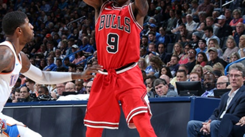OKLAHOMA CITY, OK -NOVEMBER 15: Antonio Blakeney #9 of the Chicago Bulls handles the ball during the game against the Oklahoma City Thunder on November 15, 2017 at Chesapeake Energy Arena in Oklahoma City, Oklahoma. NOTE TO USER: User expressly acknowledges and agrees that, by downloading and or using this photograph, User is consenting to the terms and conditions of the Getty Images License Agreement. Mandatory Copyright Notice: Copyright 2017 NBAE (Photo by Layne Murdoch/NBAE via Getty Images)